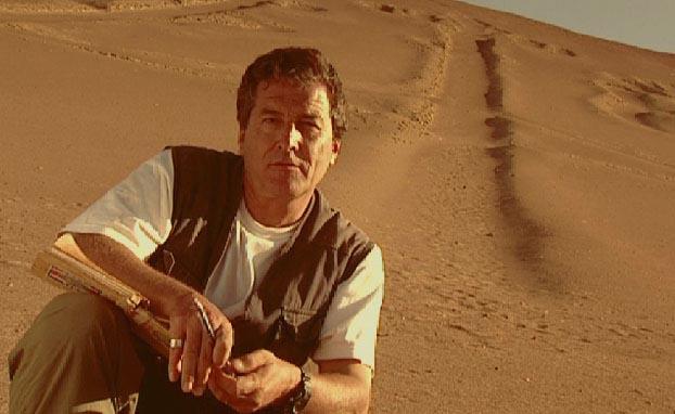 Una de las imagenes promocionales de los documentales 'Paneta Encantado' protagonizados por J.J. Benítez
